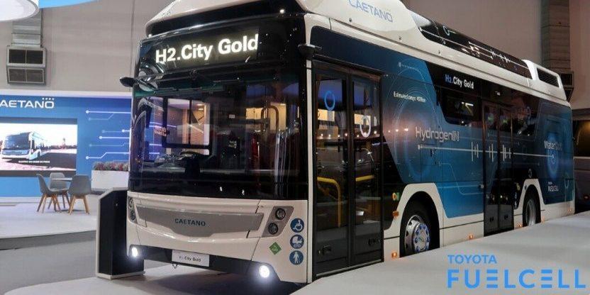 CaetanoBus zeigt H2-Bus mit Technik aus Toyotas Mirai