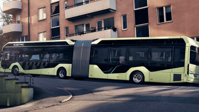 Volvo zeigt Serienversion von Elektro-Gelenkbus
