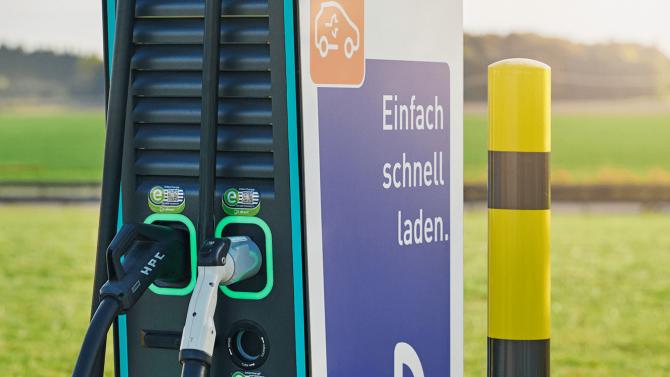 """E-Mobility Excellence"": EnBW mobility+ bietet größtes Ladenetz in DACH-Region"