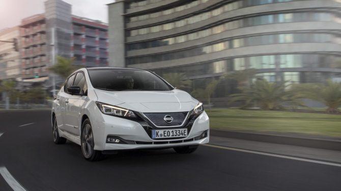Nissan und ADAC starten E-Auto-Abo